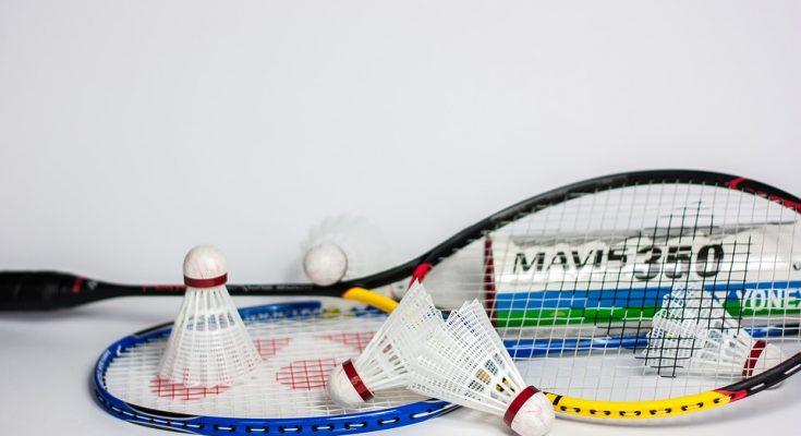 Badmintonketcher og bolde